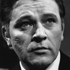 Richard-Burton-tiyatro-sinema oyunculuğu-arasındaki-farklar